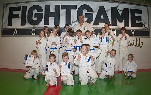 Eerste Karate en Judo examen in de Fight Game Academy