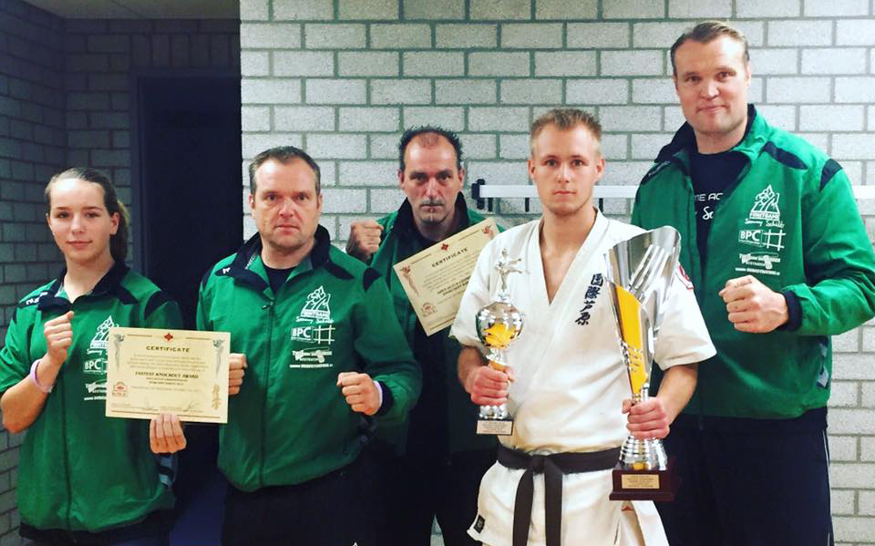 Video Dutch Open Kyokushin 10-10-2015. 3e plaats Frank Mulder