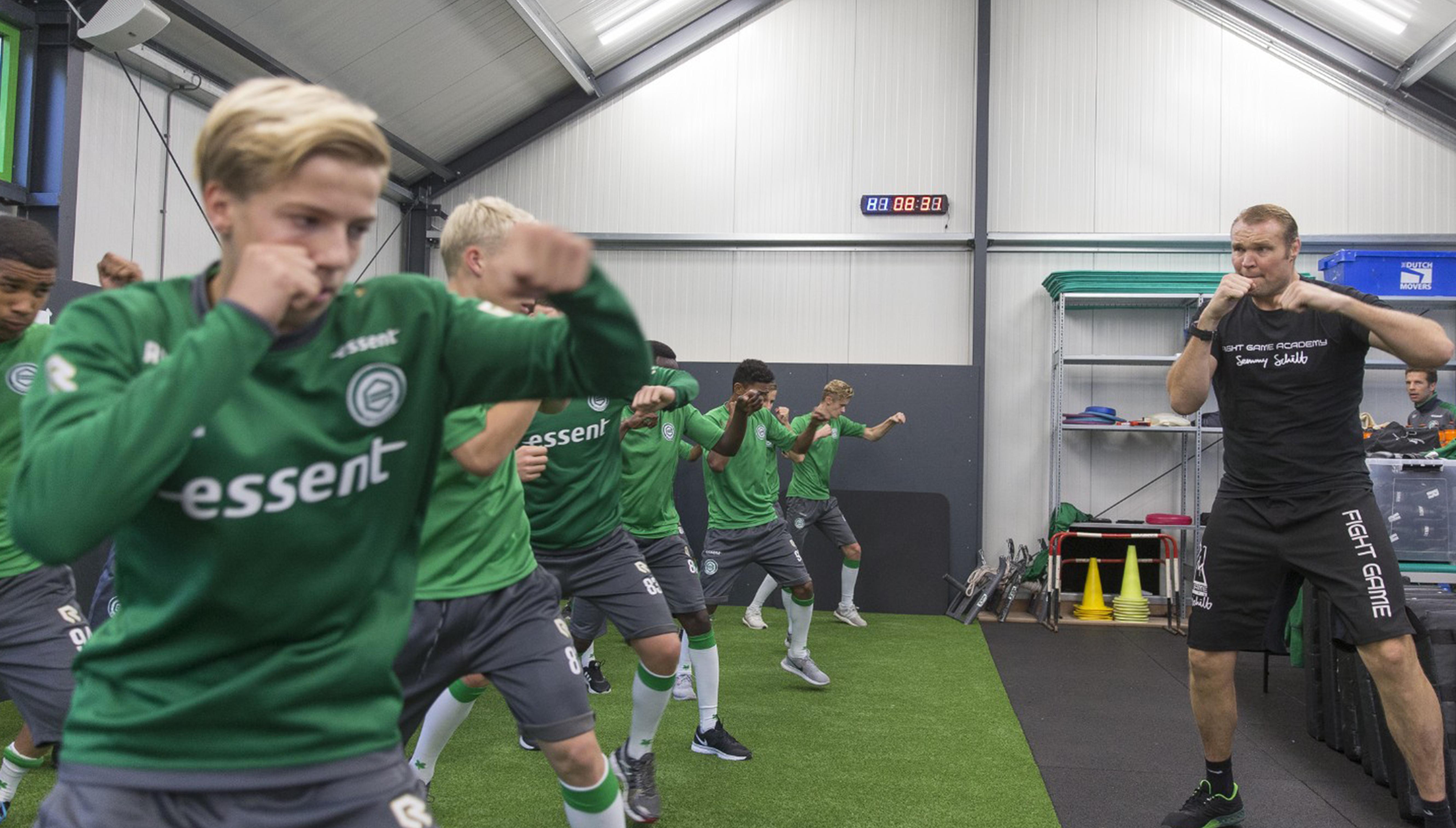 Sem Schilt verzorgt dit seizoen diverse trainingen binnen de opleiding van FC Groningen.